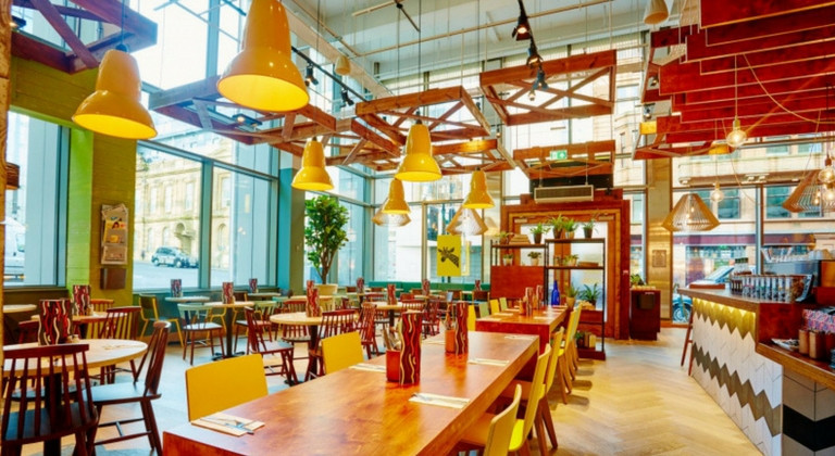 Colourful inside of a Giraffe restaurant