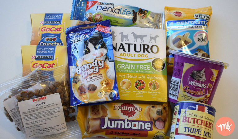 Collection of free pet food, including brands Purina, Felix, Whiskas, Pedigree & Naturo.