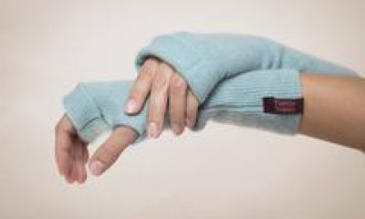 Free 100% Cashmere Gloves