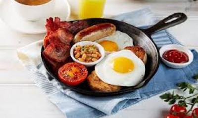 "<span class=""merchant-title"">Bella Italia</span>   £5 Breakfast"