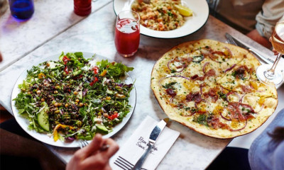 "<span class=""merchant-title"">Pizza Express</span> 