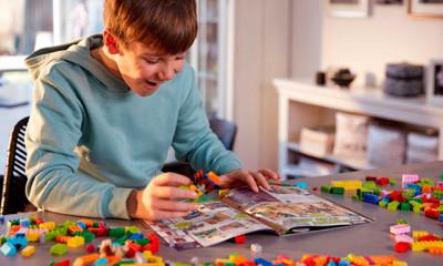 Win 1 of 5 LEGO® £100 vouchers & Free LEGO® Magazine