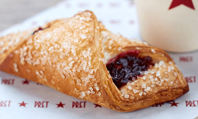 Free Pret Very Berry Croissant