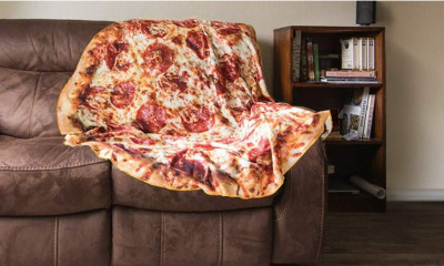 Free Pizza Throw Blanket