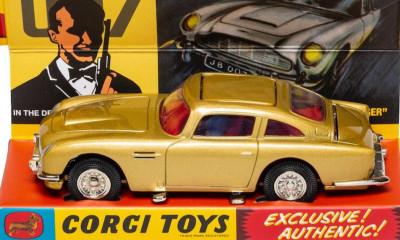 Free James Bond Aston Martin Model