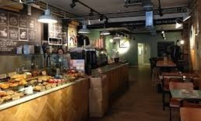 "<span class=""merchant-title"">Harris + Hoole</span> 